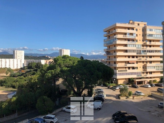 EXCLUSIVITE - APPARTEMENT T4 SECTEUR FINOSELLO